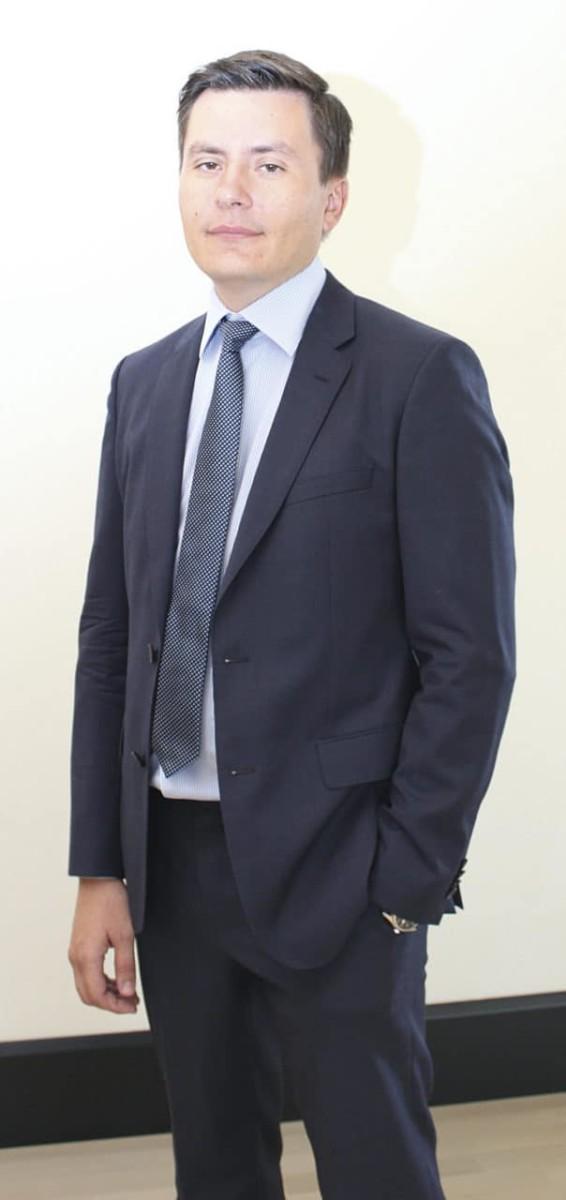 Тарасов Сергей Александрович, кандидат медицинских наук, директор Департамента научных исследований и разработок компании Материа Медика Холдинг
