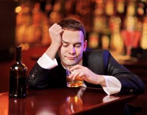 Алкоголизм: стадии и симптомы
