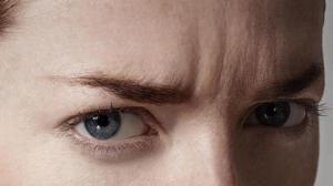 Морщины на переносице: причины и как убрать