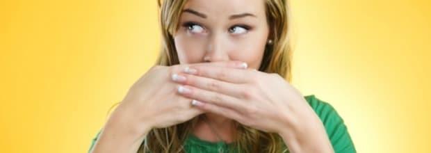 Как избавиться от неприятного запаха изо рта народными методами? Польза народных средств от запаха изо рта