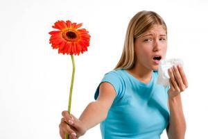 Аллергический кашель у взрослых: симптомы и лечение