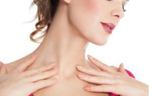 Морщины на шее: причины, как убрать, маски и массаж