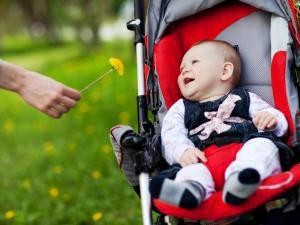 Сколько нужно гулять с ребенком
