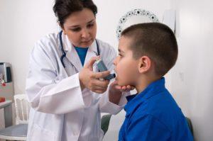 Меньше лекарств при астме без ущерба для здоровья детей