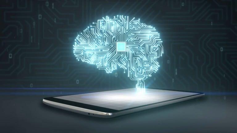 Мозговой имплант, синхронизированный со смартфоном