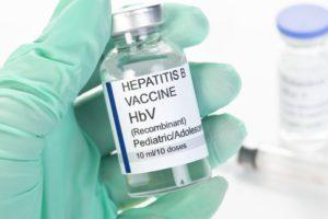 Прививка от гепатита: новорожденным и взрослым, виды вакцин, сколько раз делается и график вакцинации