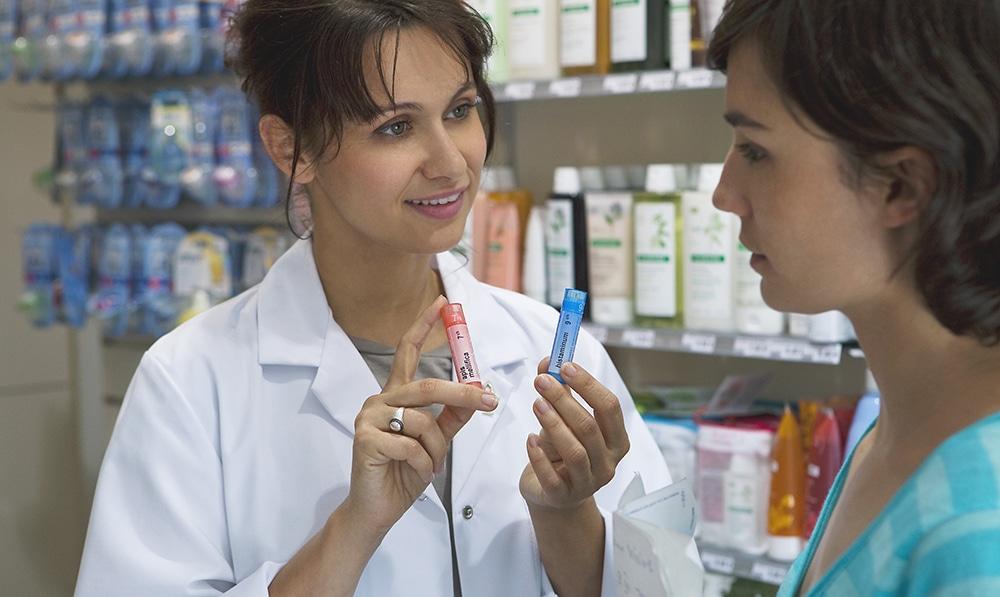 Россияне хотят знать дополнительную информацию про гомеопатию от сотрудников аптек