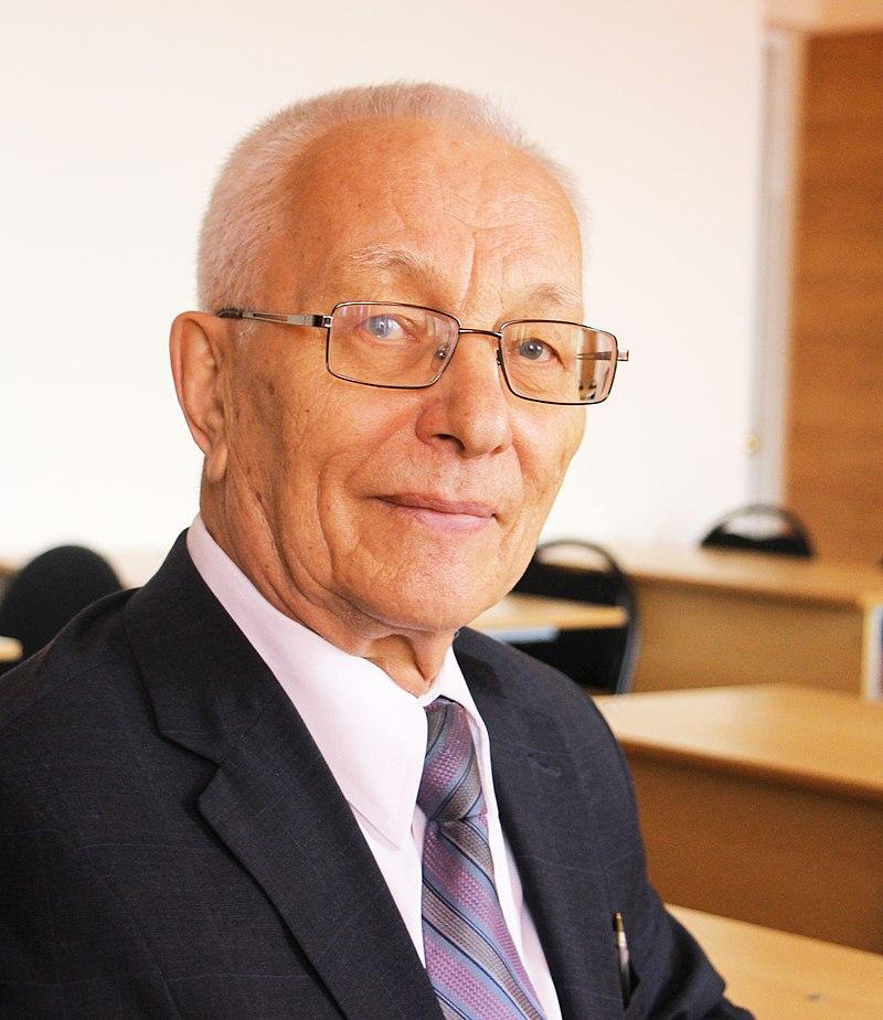 Струков Виллорий Иванович, доктор медицинских наук, профессор, специалист по костно-суставным заболеваниям, связанным с остеопорозом