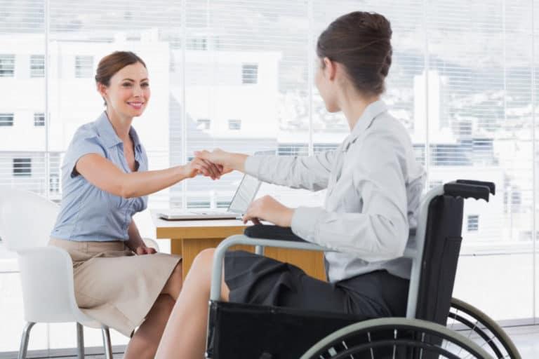 Проект «Неограниченные возможности» помогает людям с рассеянным склерозом в трудоустройстве
