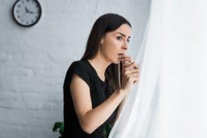 Панические атаки: причины, симптомы, лечение и как избавиться самостоятельно