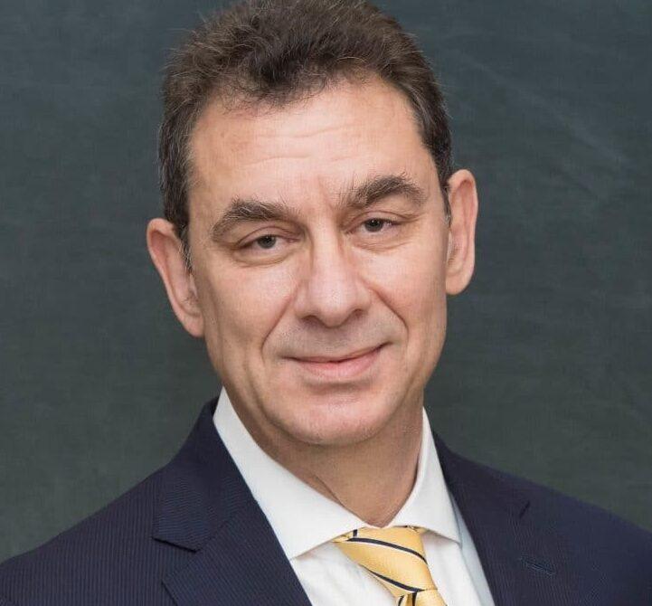 Альберт Бурла, председатель правления и генеральный директор Pfizer