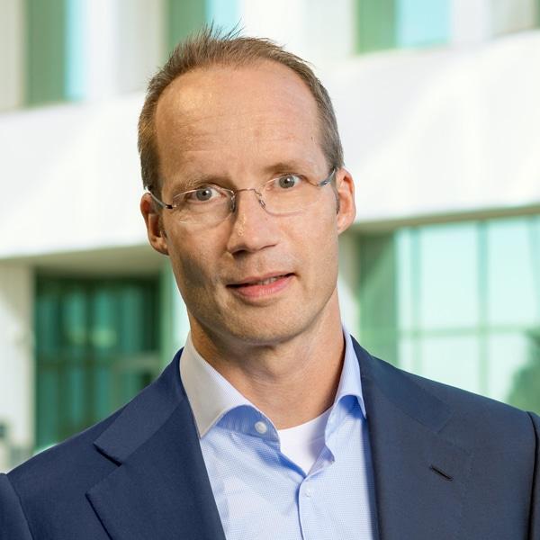 Франк Карбе, Президент и финансовый директор Myovant