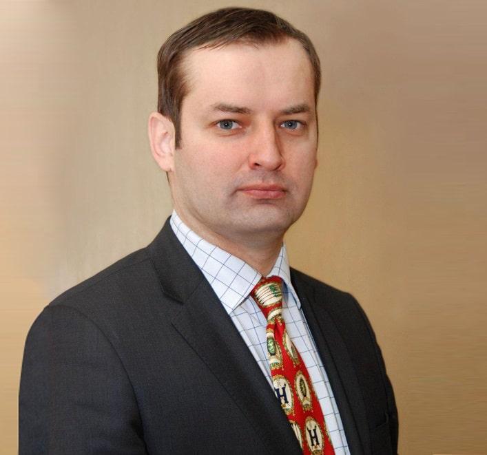 Козлов Роман Сергеевич, д.м.н., профессор, директор НИИ антимикробной химиотерапии ГОУ ВПО «Смоленская государственная медицинская академия», президент Межрегиональной ассоциации по клинической микробиологии и антимикробной химиотерапии (МАКМАХ)