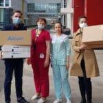 Компания Алкон передала капли для глаз и контактные линзы для защиты зрения медицинских работников