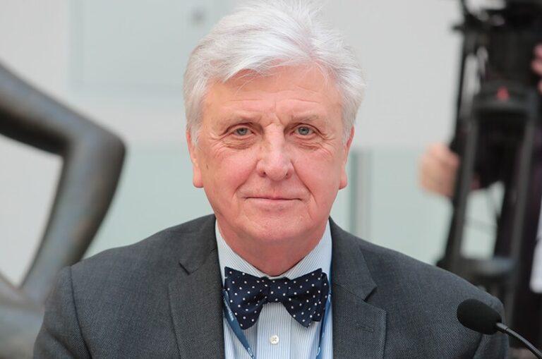 Корсак Владислав Станиславович, Президент Российской ассоциации репродукции человека (РАРЧ), доктор медицинских наук, профессор.
