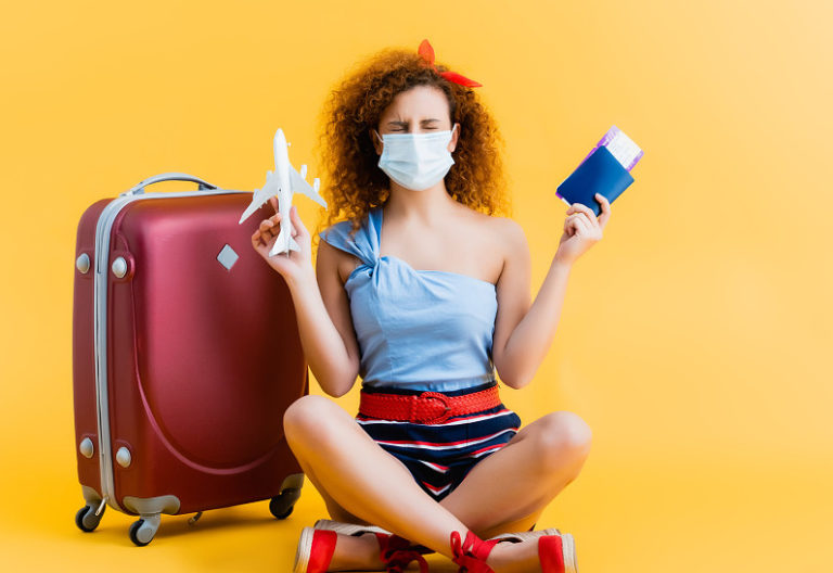 Как безопасно путешествовать во время пандемии