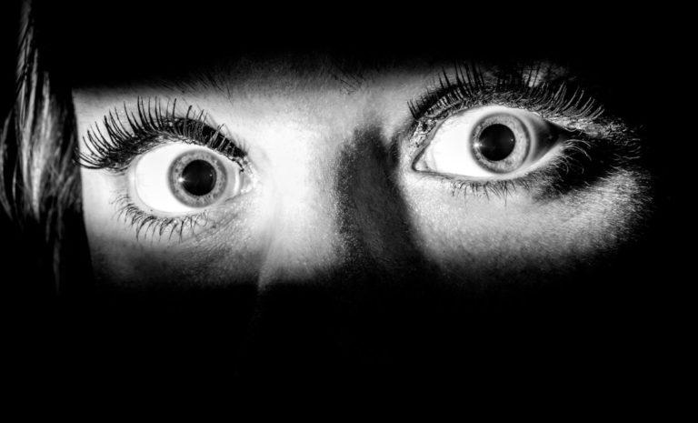 Никтофобия — с темнотой лучше подружиться